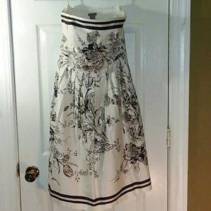 Ann Taylor Floral strapless dress Size 4